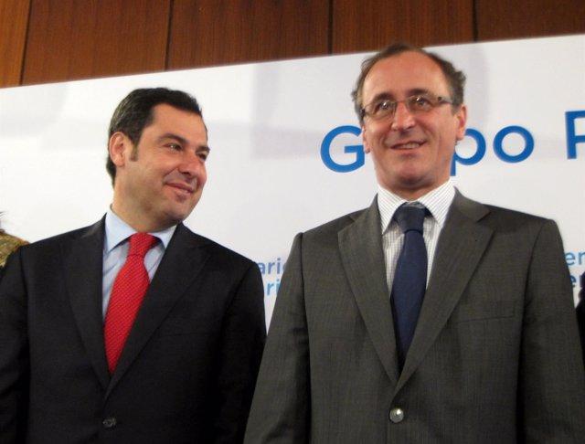 Juan Manuel Moreno con Alfonso Alonso en el Parlamento andaluz