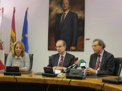El Parlamento homenajea a la Asociación de la Prensa y al Ateneo