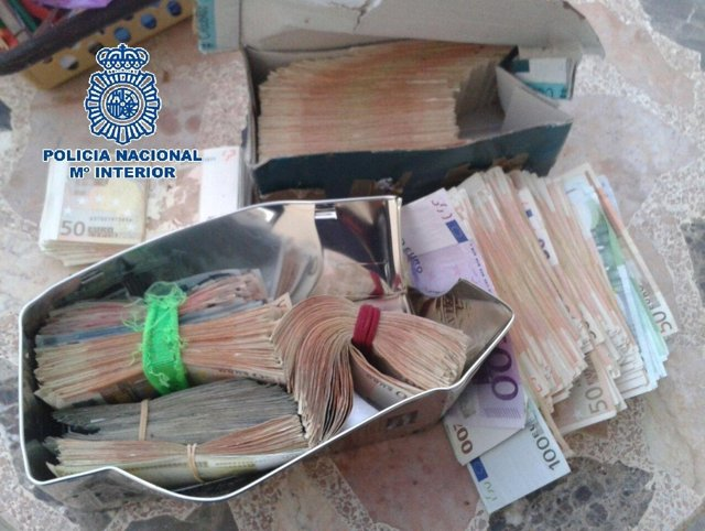 Dinero encontrado por la Policía Nacional