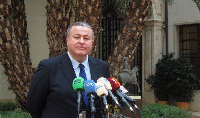 Francisco Bernabé comparece ante los medios tras tomar posesión como consejero