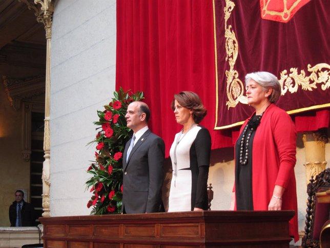 Alberto Catalán, Yolanda Barcina y Lourdes Goicoechea.