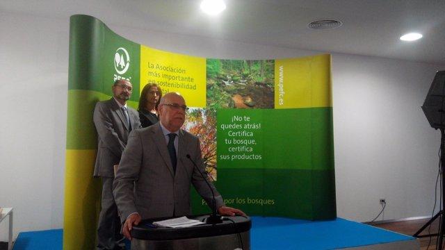El consejero de Agricultura y Medio Ambiente de Extremadura, José A. Echávarri