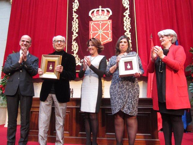 Entrega de la Medalla de Oro a Huarte y Urmeneta.