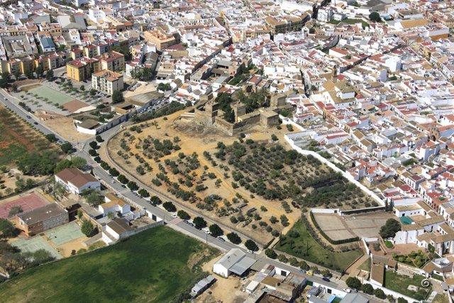 Vista aérea del Parque del Castillo de Luna en Mairena del Alcor