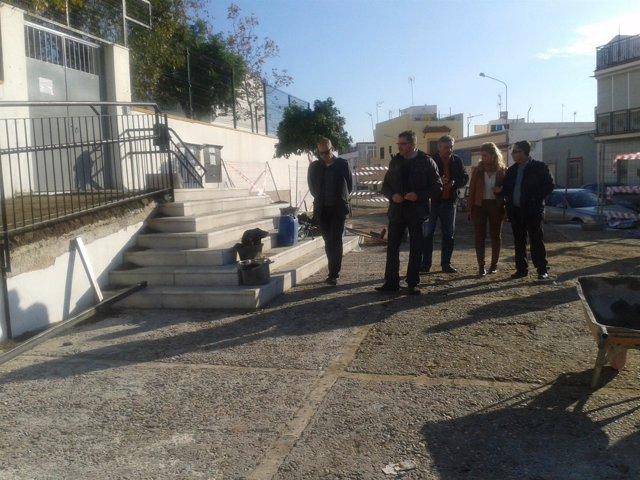 Gutiérrez Limones durante la visita a las obras del Plan Supera en Alcalá.