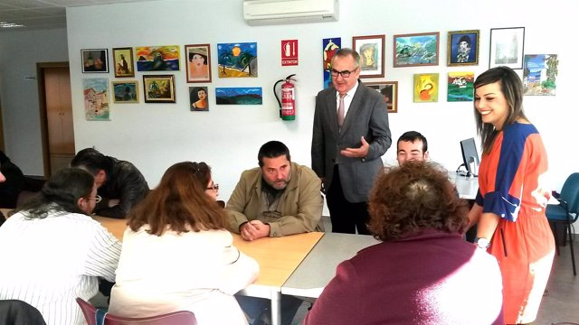 Tovar en la inauguración del Centro de Día de AFES en Murcia