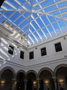 Aspeto del Patio Azul con su nueva cubierta, en el Palacio de Congresos