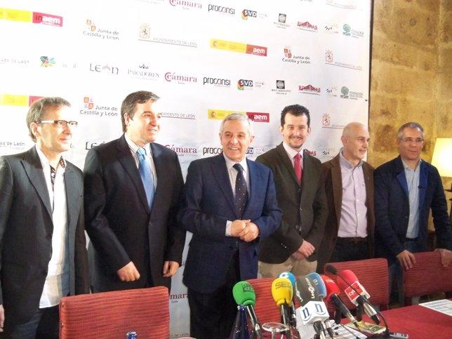 Presentación de la XI edición del festival internacional 'León vive la magia'