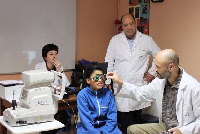 Unos 300 Niños En Riesgo De Exclusión Pasarán Una Revisión Oftalmológica