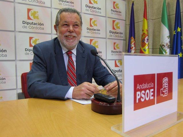 El portavoz del PSOE en la Diputación, Salvador Blanco