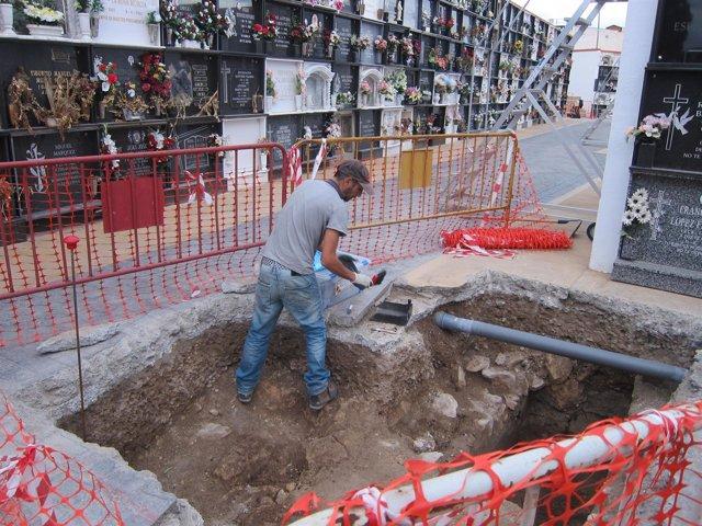 Exhumaciones en el cementerio de Almería