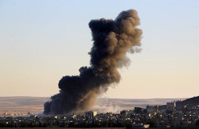 Bombardeos sobre Kobani.