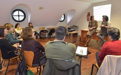 Guías turísticos de Cantabria se forman sobre el arte del XX y XXI