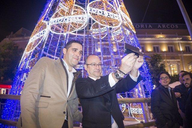 Rodríguez-Comendador, en la inauguración de la iluminación navideña