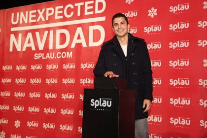Álex González da la bienvenida a la Navidad en Splau