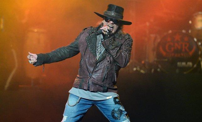 Axl Rose anuncia dos nuevos álbumes para Guns N' Roses