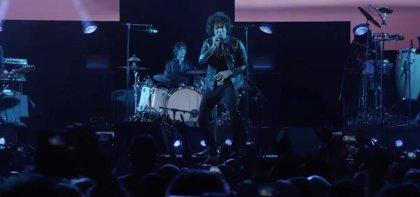 Bunbury estrena videoclip en directo de Más alto que nosotros sólo el cielo