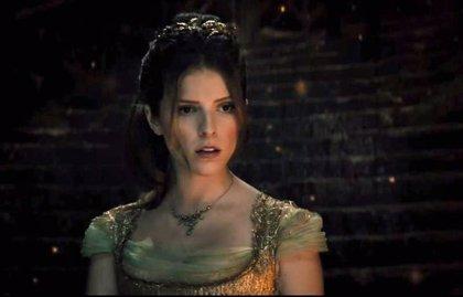 Into the Woods: Cenicienta (Anna Kendrick) canta a las puertas de palacio