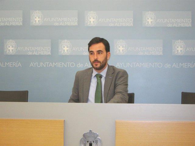 El concejal de Salud y Consumo de Almería, Carlos Sánchez