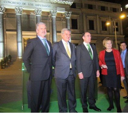 La Puerta de los Leones del Congreso estrena nueva iluminación, que consumirá como dos microondas