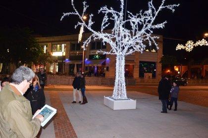 Mairena del Aljarafe 'enciende' su Navidad con los olivos que representan al municipio