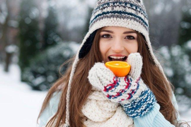 Fruta, naranja, invierno, nieve