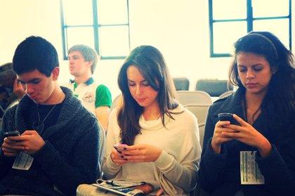 Uno de cada cuatro españoles es adicto a su 'smartphone' según la OCU