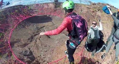 Hacer salto base desde una 'tela de araña' en el Cañón del Colorado es posible