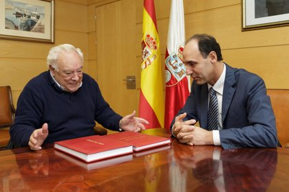Diego recibe a Aurelio Ruiz, el intérprete de canción montañesa más veterano