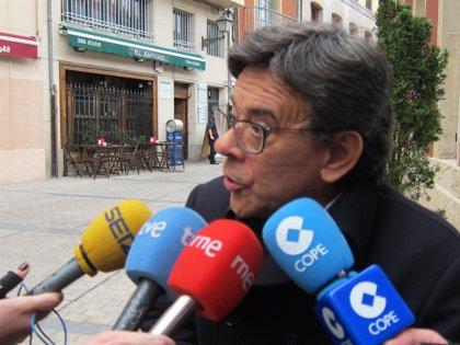 IU dice que los policías locales no están para custodiar el belén de la Plaza de la Catedral