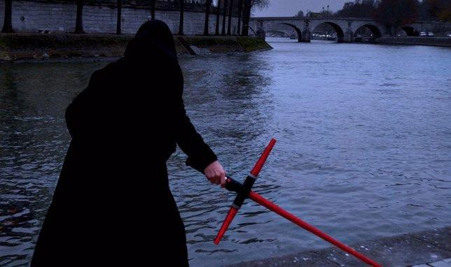 Sable láser Sith casero