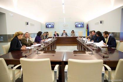 El cambio de la ley electoral, la tributación de la Central de Almaraz y el FLA, a debate en el Parlamento regional