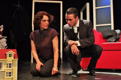Athenea Teatro gana la XXXI Muestra de Teatro Provincia de Valladolid por su montaje 'Casa de Muñecas'