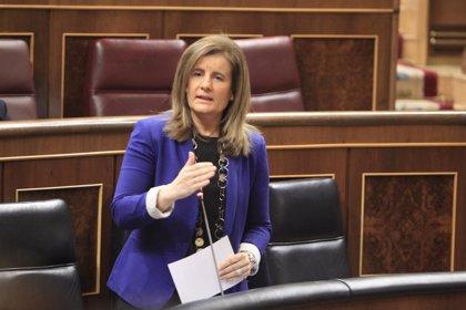 Economía/Laboral.- Báñez dice que los sueldos están subiendo y el PSOE replica que cada vez hay más trabajadores pobres