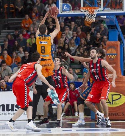 El Valencia se juega la vida ante Baskonia