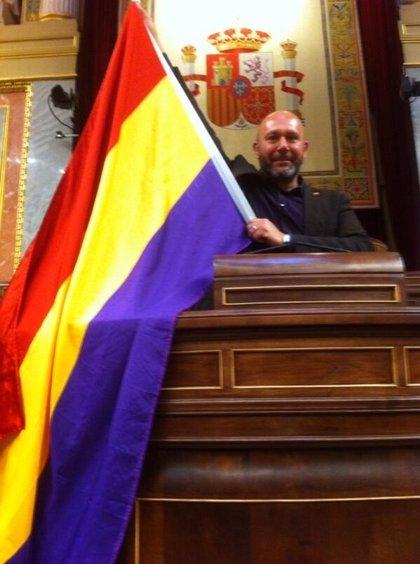 IU anima no sólo a la infanta Cristina sino también al Rey a poner su cargo a disposición de los españoles