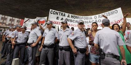 """El diputado brasileño Bolsonaro dice que solo quería """"llamar la atención"""" con sus declaraciones sobre violación"""
