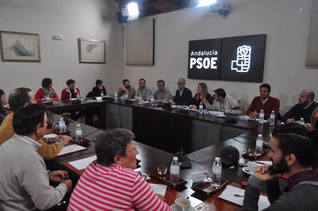 Zerolo, Ruiz y Espadas reunidos con representantes de LGTB