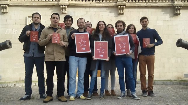 Juventudes Socialistas de Baleares frente al Consolat de Mar