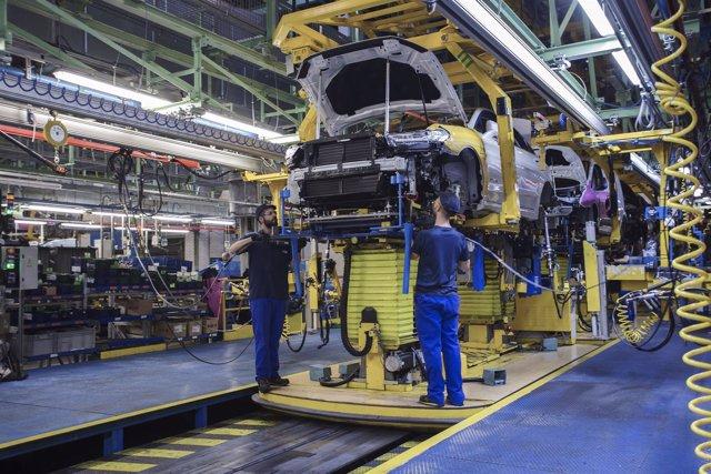 Producción del Ford Mondeo en Almussafes (Valencia)