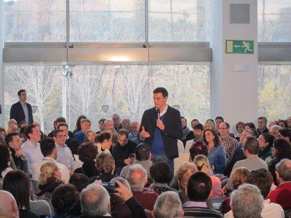 """Sánchez se avergüenza del Gobierno por hablar de altos cargos """"mal retribuidos"""" y recortar sueldos de trabajadores"""