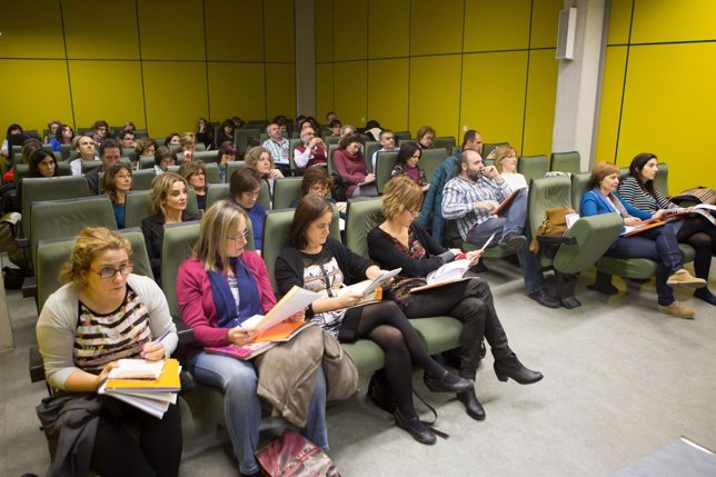 Profesores de Educación Secundaria en la reunión de la UPNA