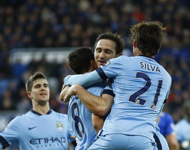 El Manchester City vence al Leicester con buena actuación de David Silva