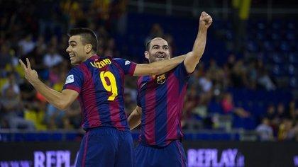 El Barça aprovecha el 'pinchazo' de Inter y alcanza el liderato