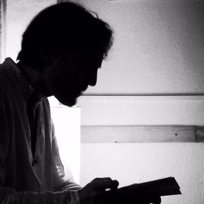 El poeta Alfonso Paso recita este lunes en los Lunes Literarios del Café Zalacaín