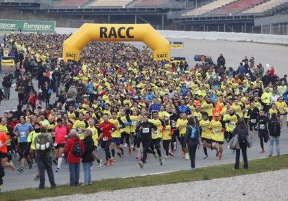 La carrera popular 10KmRACC llena el Circuito de Barcelona-Catalunya con más de 5.000 corredores