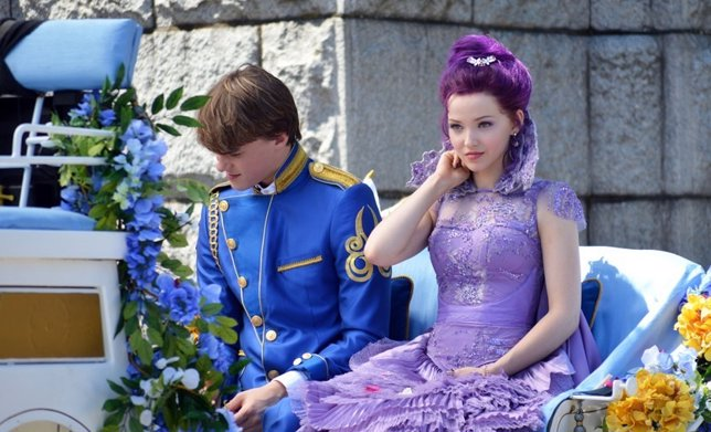 Mal (Dove Cameron) y Ben (Mitchell Hope) en Descendants