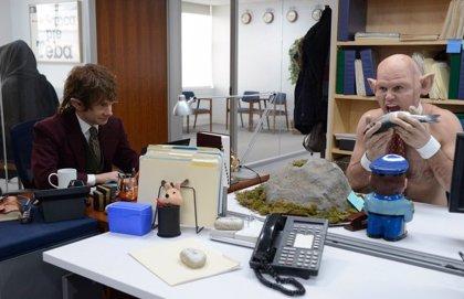 VÍDEO: Martin Freeman mete El Hobbit en The Office en Saturday Night Live
