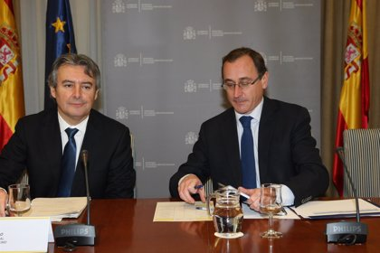 Alonso preside en el ministerio su primer comité Especial para la gestión del ébola