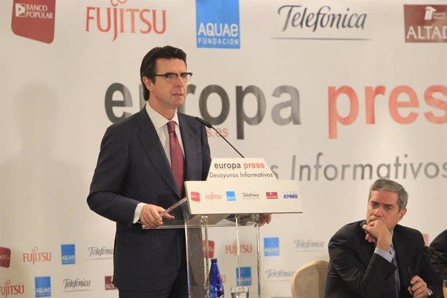 José Manuel Soria en los Desayunos de Europa Press
